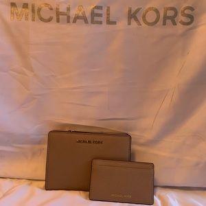 Michael Kors Jet Set truffle wallet with card case
